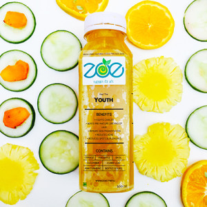 The refreshing cold pressed juice - Feel the Youth, rich in cucumbers and pineapples
